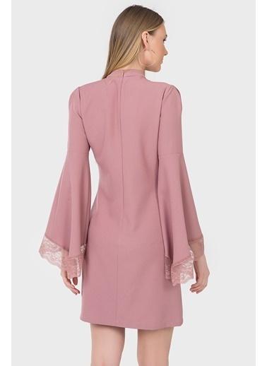 İroni Dik Yaka Dantel Kollu Krep Elbise Pembe